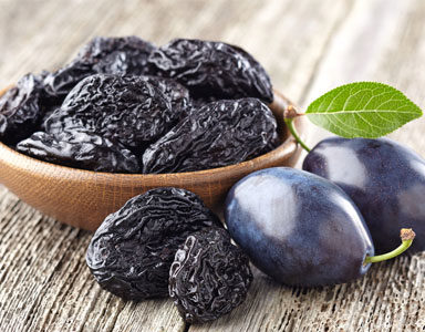 bowl-of-prunes,-30-weight-loss-tips-in-30-days---#28-prunes,-dates-and-figs-by-healthista.com