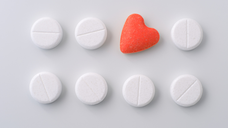 pills-with-heart-I-was-addicted-to-love-by-healthista.com