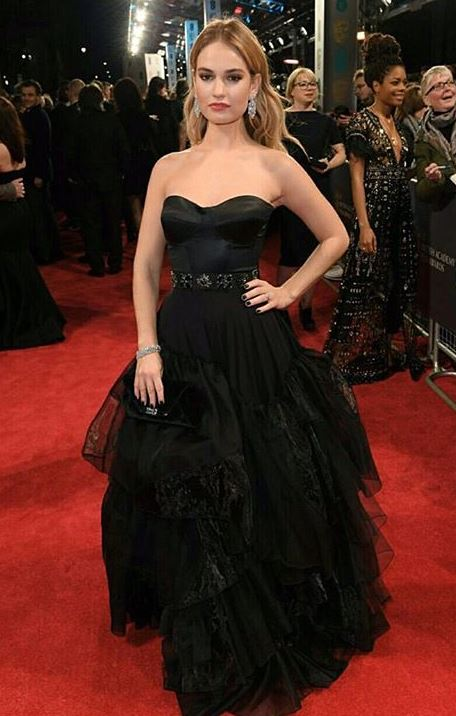 lily james, Celebrity trainer secrets of BAFTAs finest A-listers, by healthista.com (2)