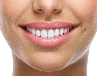 mouth-smiling,-Anti-ageing-face-yoga-for-smoother-lips-in-60-seconds-by-healthista.com