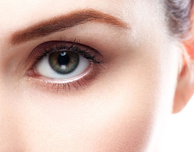 woman's-eye,-Anti-ageing-face-yoga-for-a-smoother-eye-area-in-60-seconds-by-healthista.com