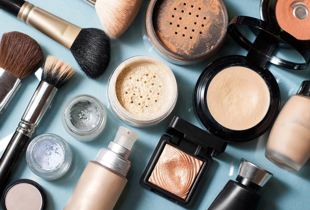 8-items-affecting-fertility-cosmetics.