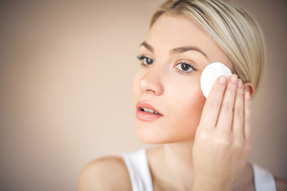 Adult-acne-FAQs-expert-dermatologist-dr anjali mahto