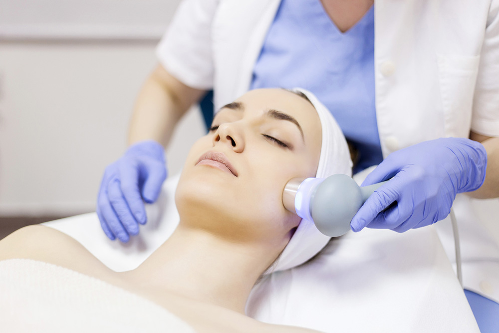 Adult-acne-FAQs-answered-by-expert-dermatologist-dr anjali mahto-laser treatment