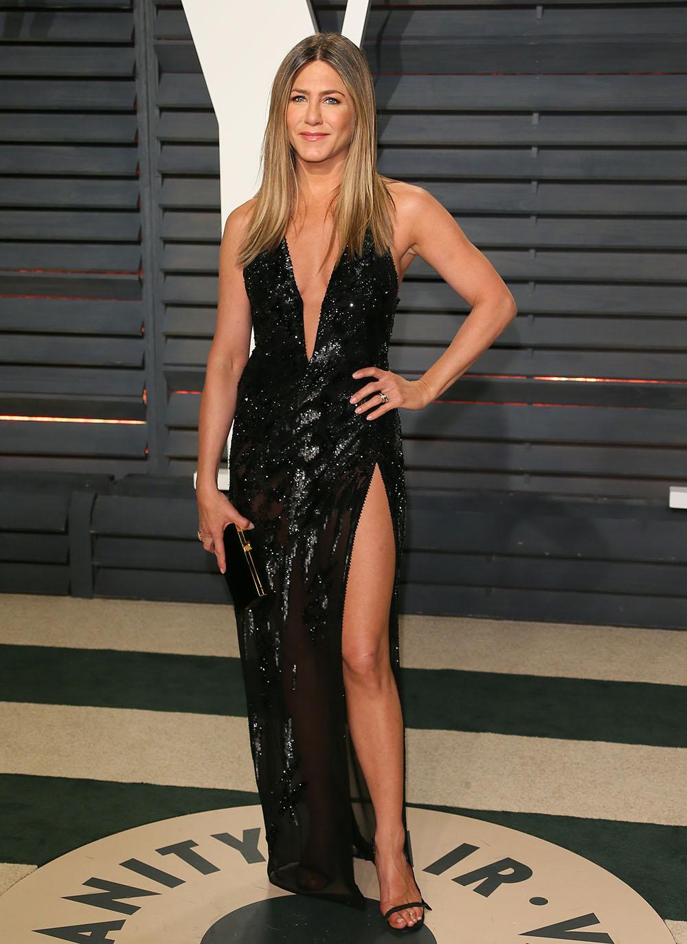 Jennifer-Aniston-Cbd-oil-celebrity-fans