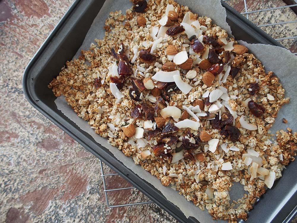 Healthistas-homemade-granola