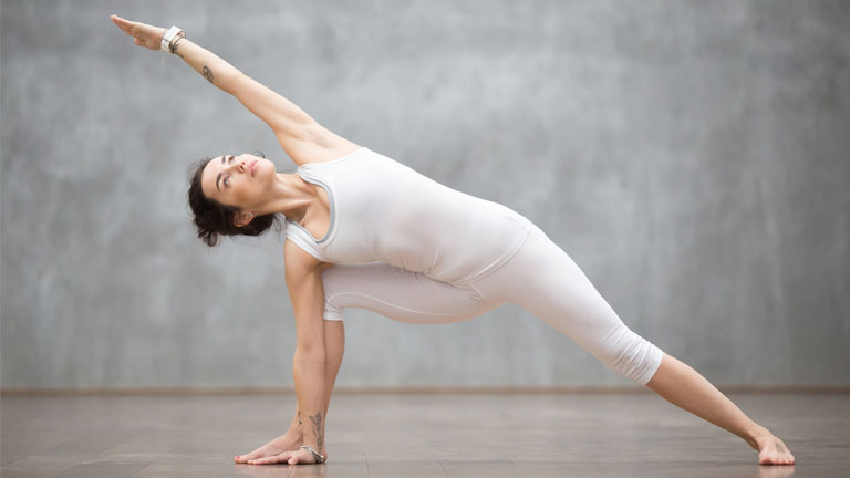 yoga-warrior-pose,-Yoga-flow-video-special--Introduction-for-beginners-and-advanced-yoga-by-healthista.com
