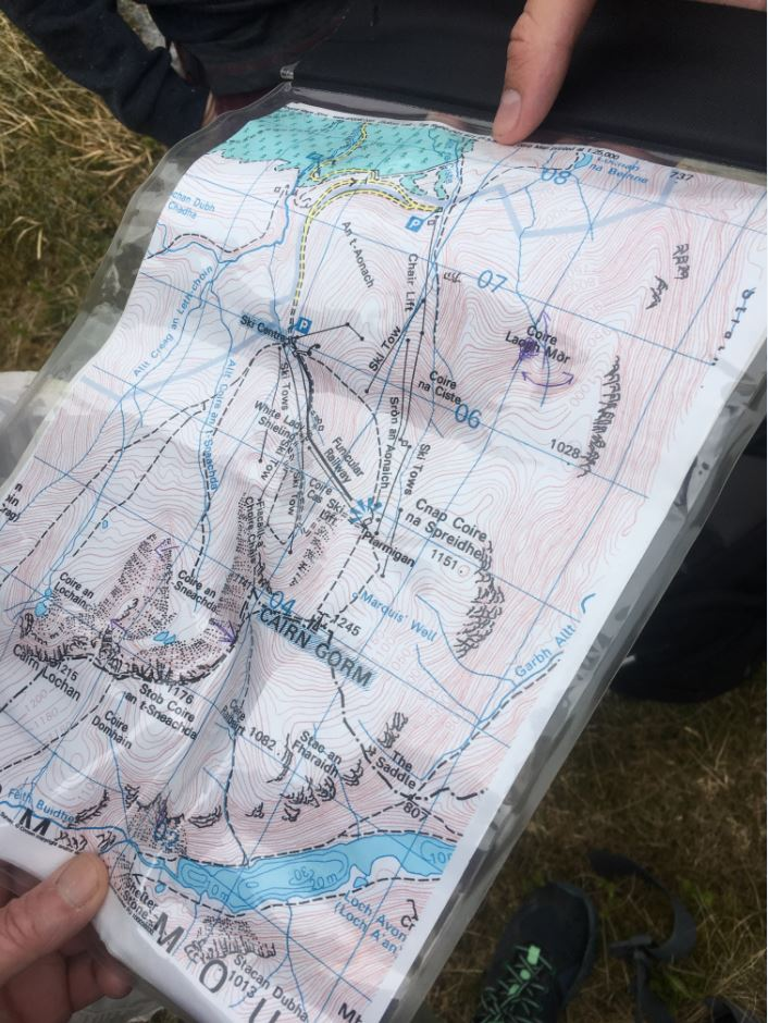 Munro-bagging_-how-to-conquer-Scotlands-Munros-Merrell-Heather-Morning-hiking-map