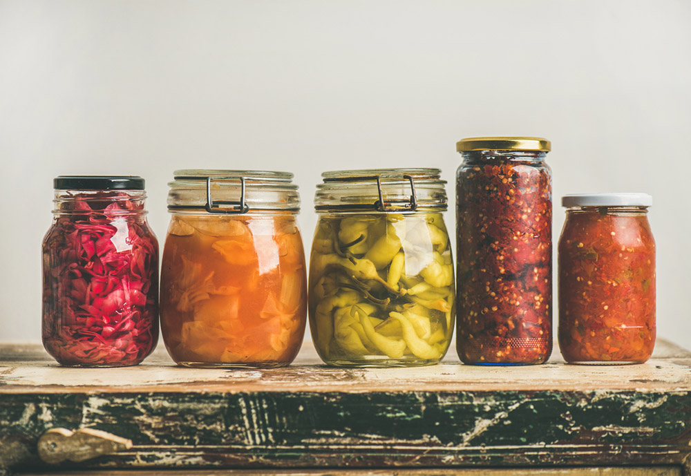 6-steps-to-an-overnight-tummy-tuck-fermented-food-in-jars