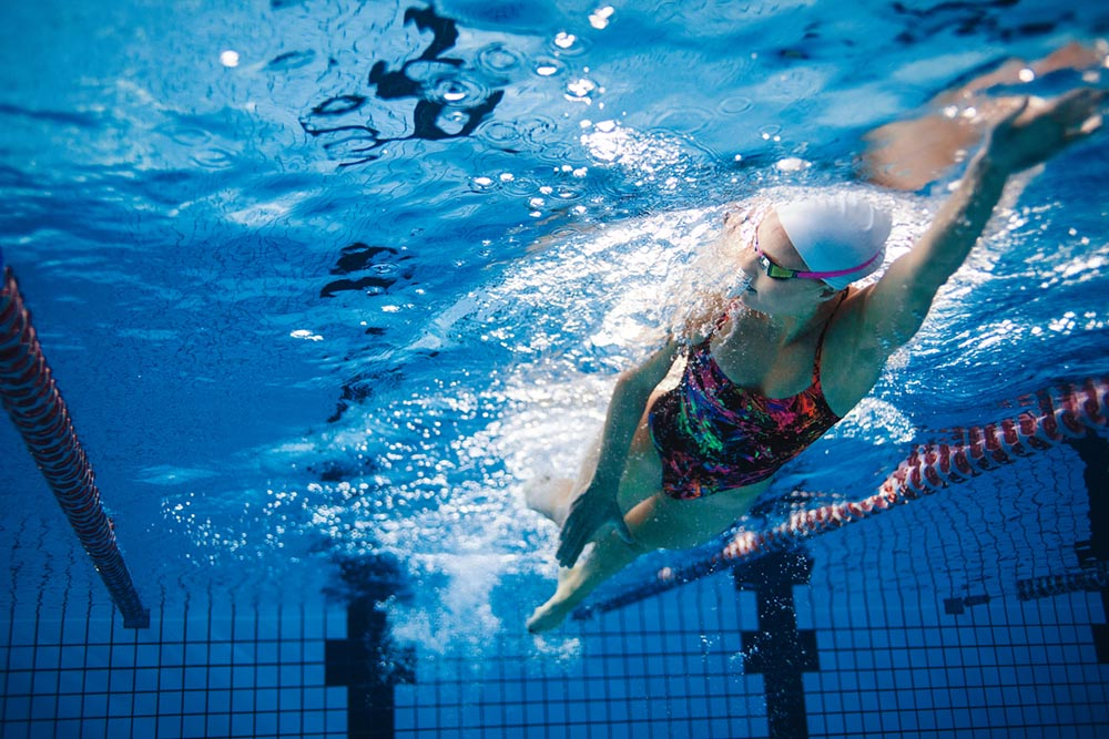 Running-for-weight-loss-5-tips-this-Barrys-Bootcamp-trainer-wants-you-to-know-swimming