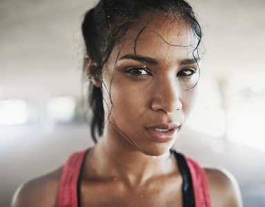 girl-sweat-6-ways-to-sweat-less-by-healthista-featured-image