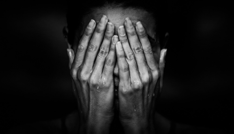 12 signs you are in an abusive relationship and what to expect when you leave him ashamed woman Vivian McGrath Healthista