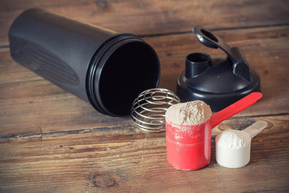 10-protein-myths-even-smart-women-believe-protein-powder