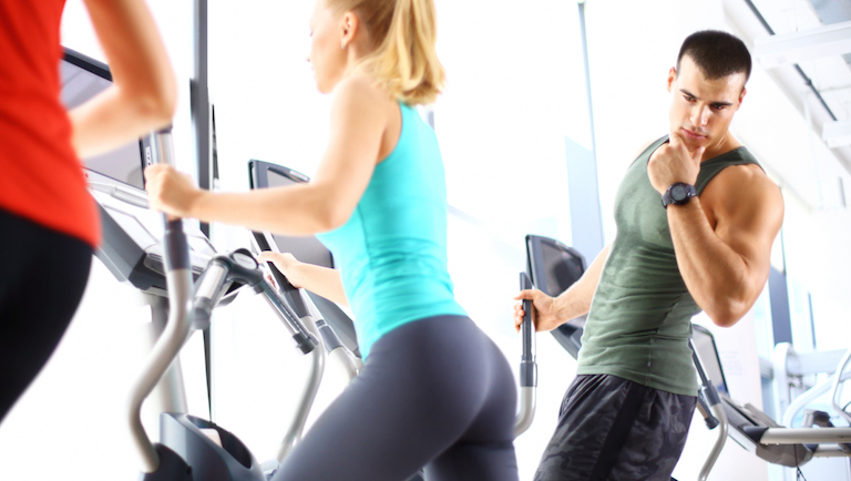 man-staring-at-woman-metoo-in-the-gym-healthista.com