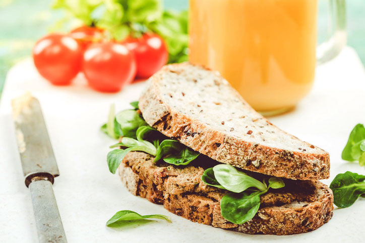 tofu-sandwich,-what-does-a-vegetarian-nutritionist-eats-in-a-day,-by-healthista