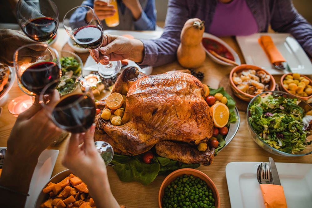 9-indigestion-causes-and-exactly-how-to-fix-them-Christmas-dinner