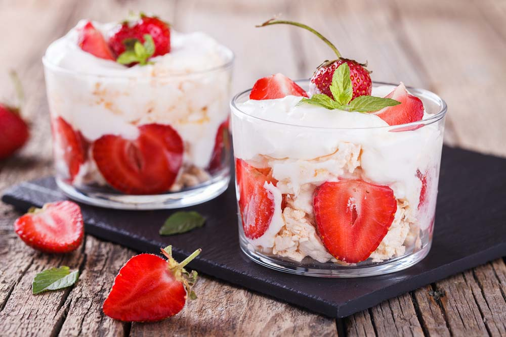 60-weight-loss-tips-in-60-days-New-Year-Revolution-eton-mess-dessert.