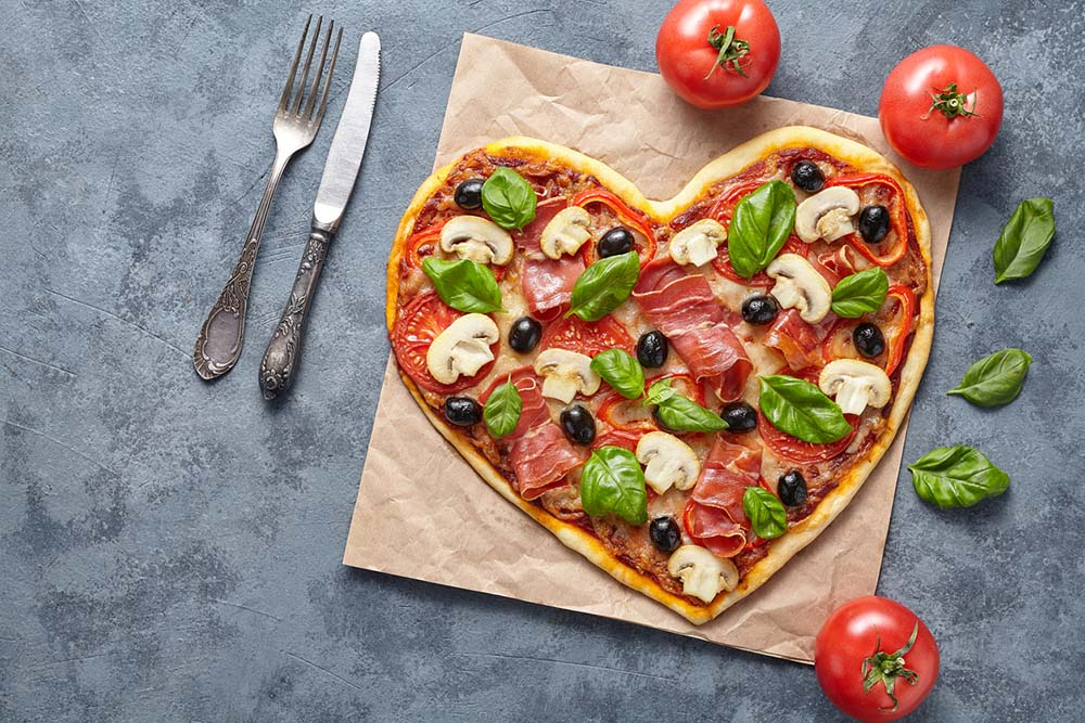 60-weight-loss-tips-in-60-days-New-Year-Revolution-heart-shaped-healthy-pizza