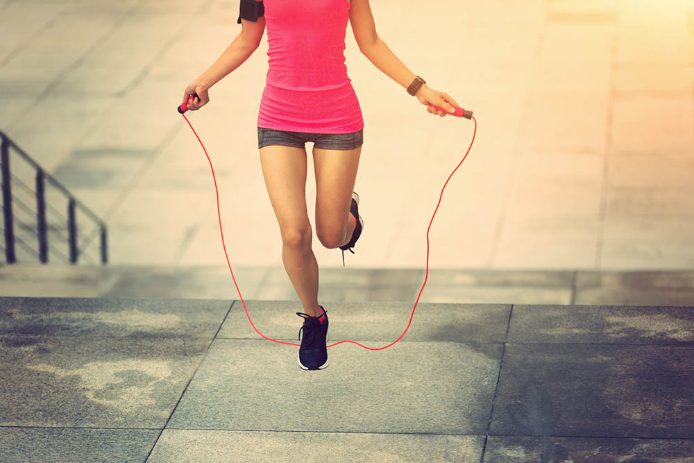 60-weight-loss-tips-in-60-days-New-Year-Revolution-woman-jump-rope