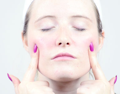 square,-anti-ageing-face-massage-with-reflexology-by-healthista.com