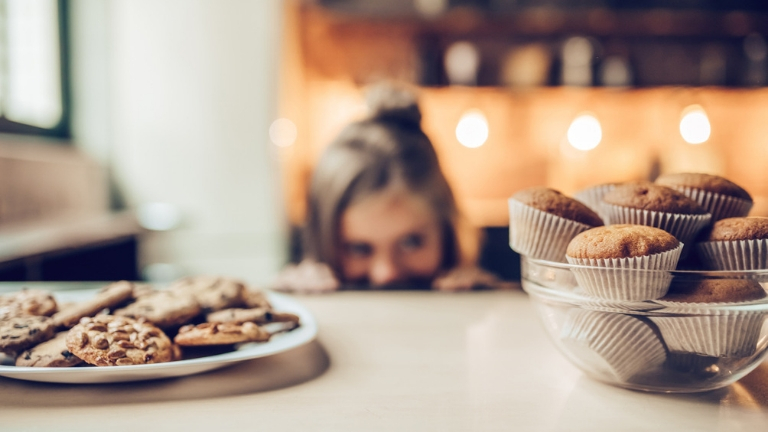 stress-craving-cookies-and-cakes-healthista.com-inpost