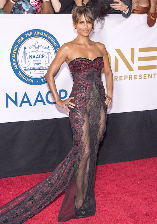 five-celebrity-weight-loss-diets-these-stars-swear-by-halle-berry-keto