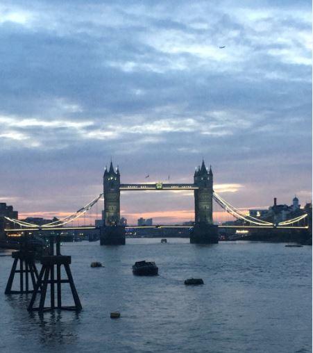 tower bridge sunrise 1