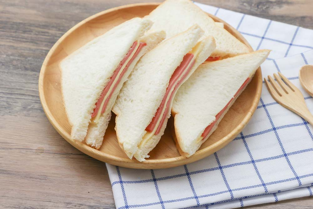 white-bread-60-weight-loss-tips-in-60-days.jpg