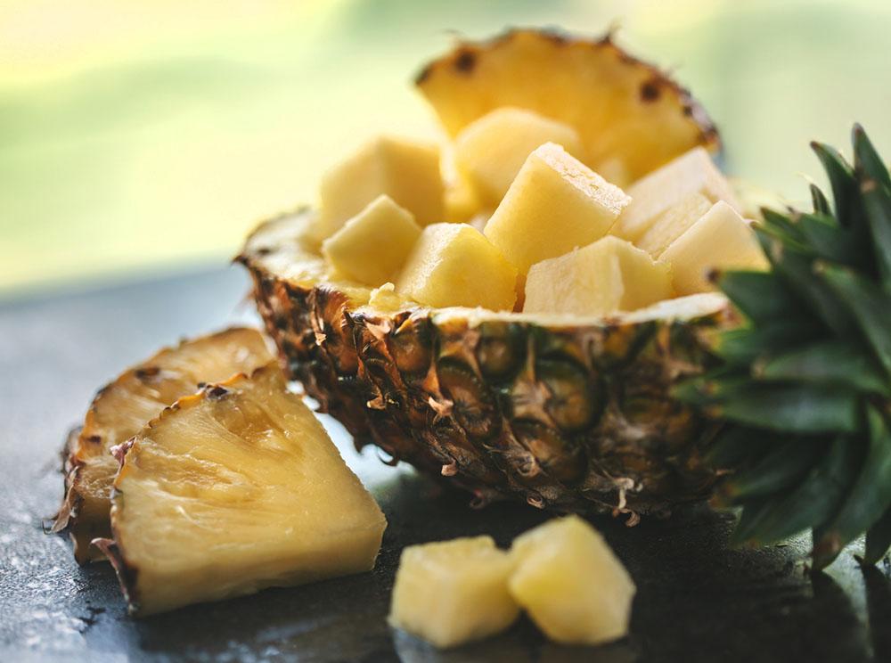 5-natural-ways-to-help-bloating-pineapple-1.jpg