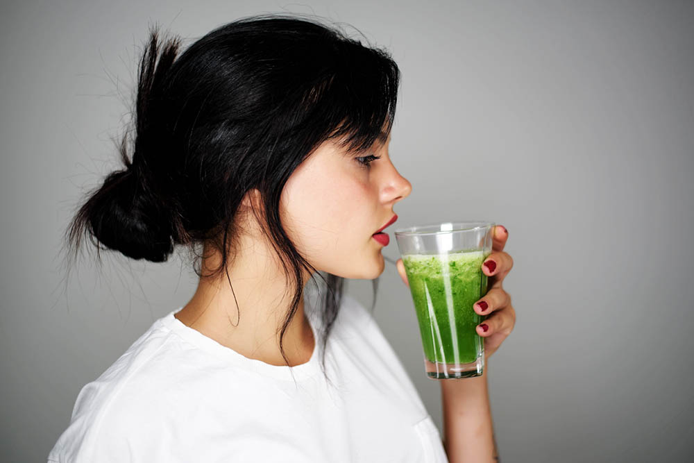 3-things-to-give-up-if-you-want-to-lose-or-maintain-your-weight-women-on-a-juice-cleanse.jpg