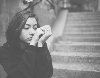 7 signs of trauma and how to heal them - FEATURED