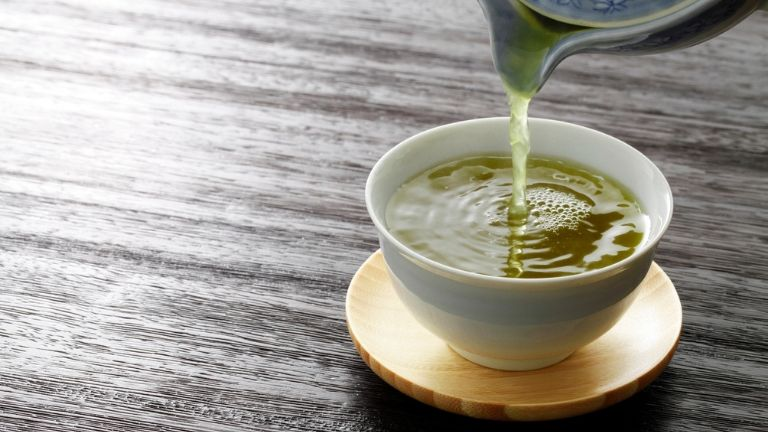5 foods to keep you young - anti ageing skin - green tea