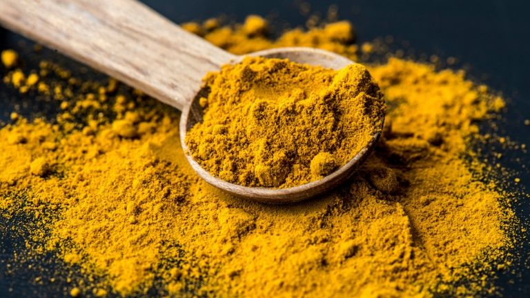 5 foods to keep you young - anti ageing skin - turmeric