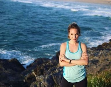 20 solo travel secrets - tracey running