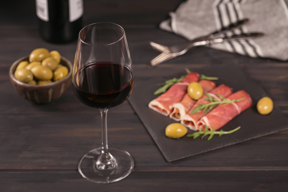 red-wine-and-food.jpg