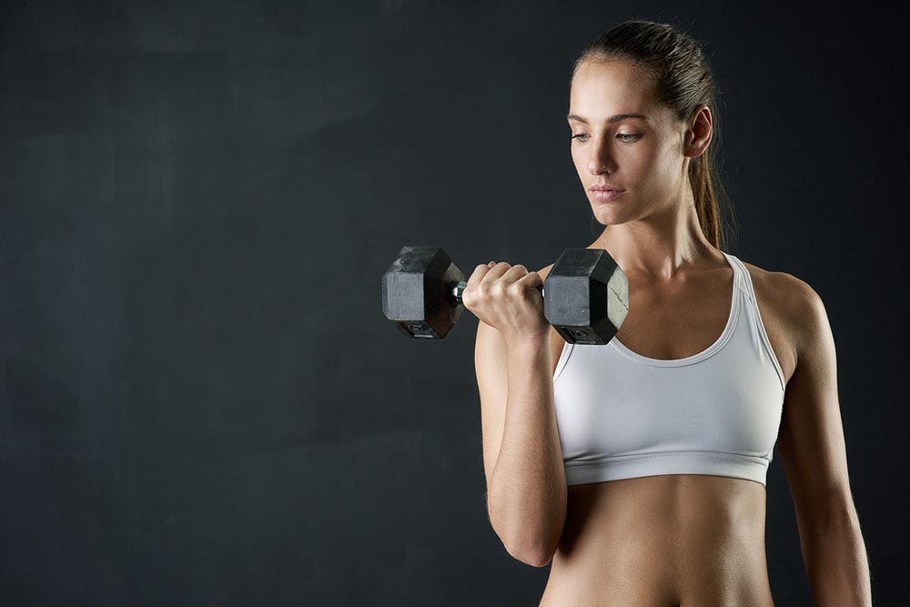 transformation-wk-10-woman-holding-weights-againnnn.jpg