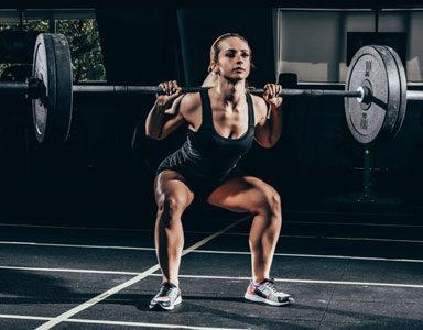 SQUAT-EXERCISE,-HOW-TO-DO-A-SQUAT-GYM-BASICS-BY-HEALTHISTA.COM