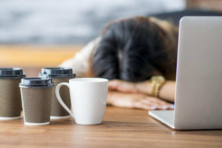 Coffeetea-causes-of-tiredness-healthista