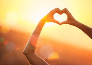 love tip hand heart