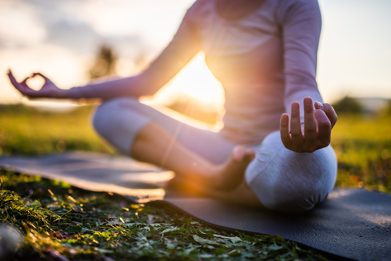 outdoor yoga mindfulness healthista
