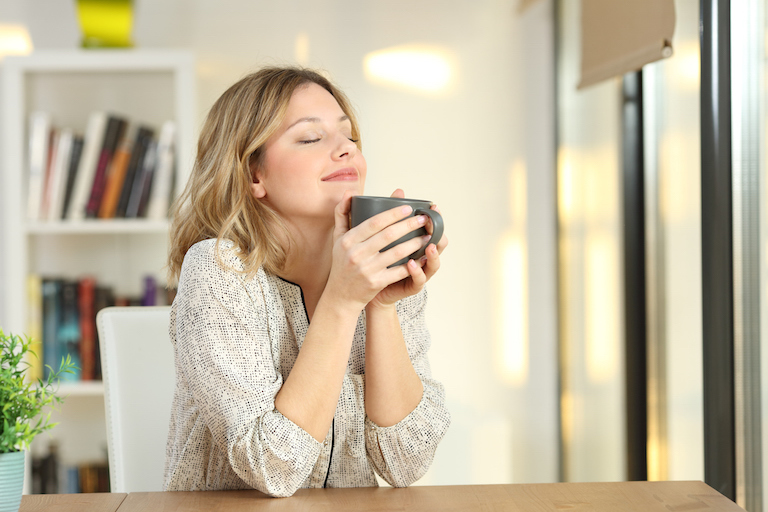 woman-drinking-tea-mindfulness-at-work-body-image