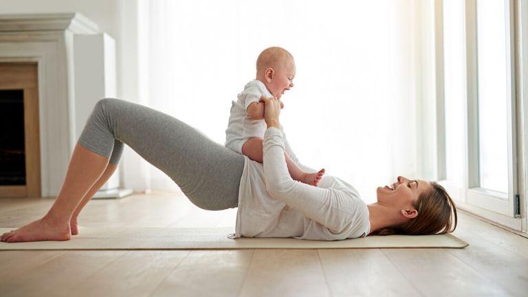 Postnatal Yoga - a 40 minute routine from super-yogi Hannah Barrett MAIN