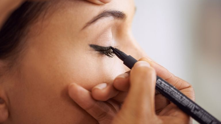 Eyeliner MAIN (1)