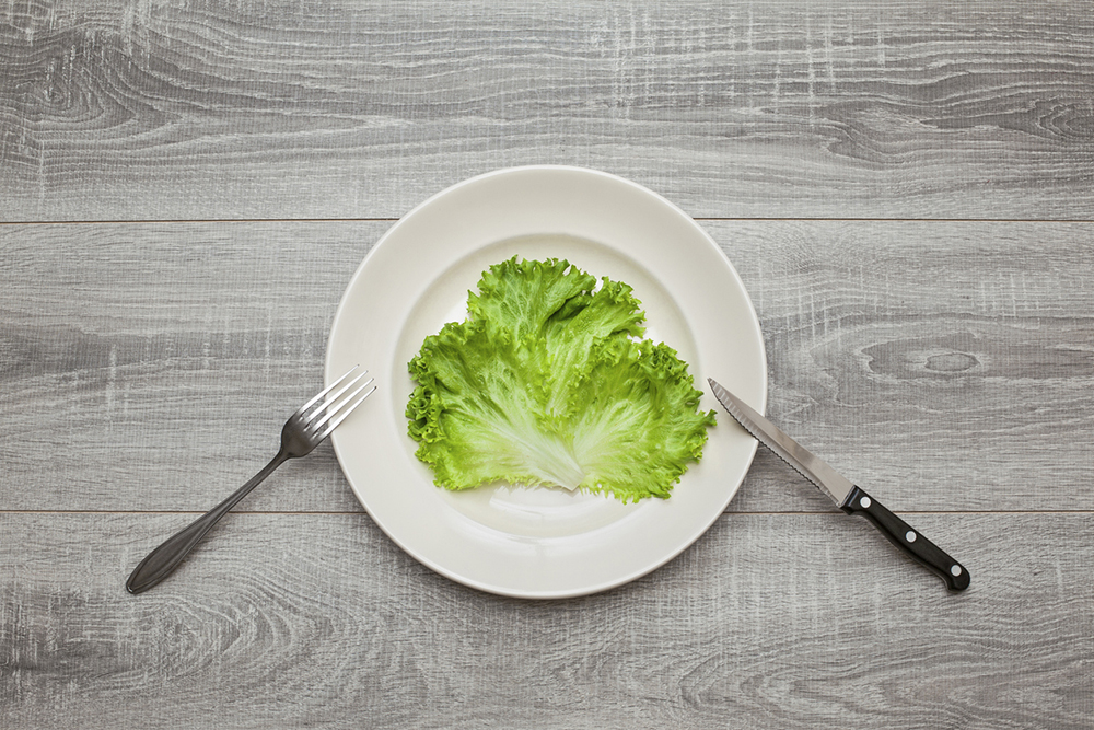 calorie-restriction-lettuce-on-plate.jpg