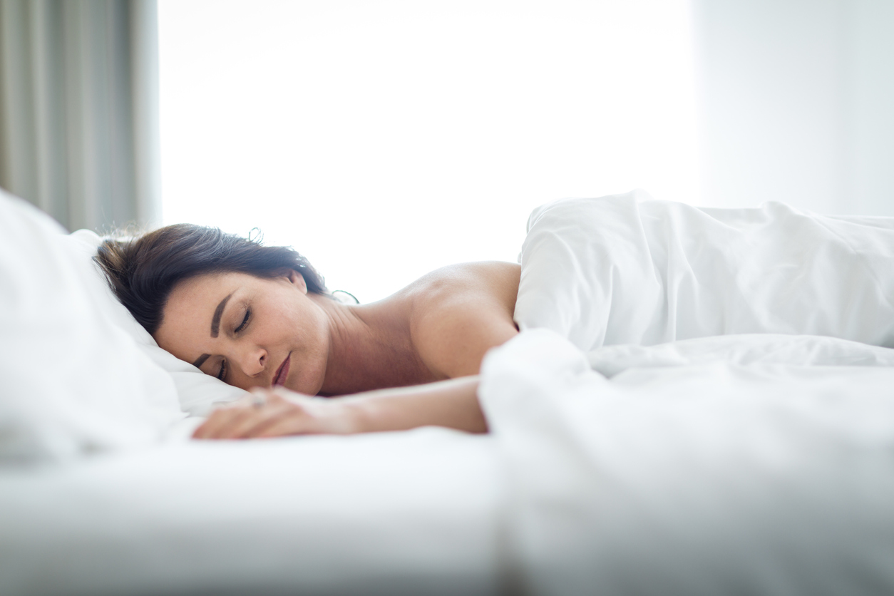 Sleeping-woman-6-ways-to-prevent-dementia.jpg