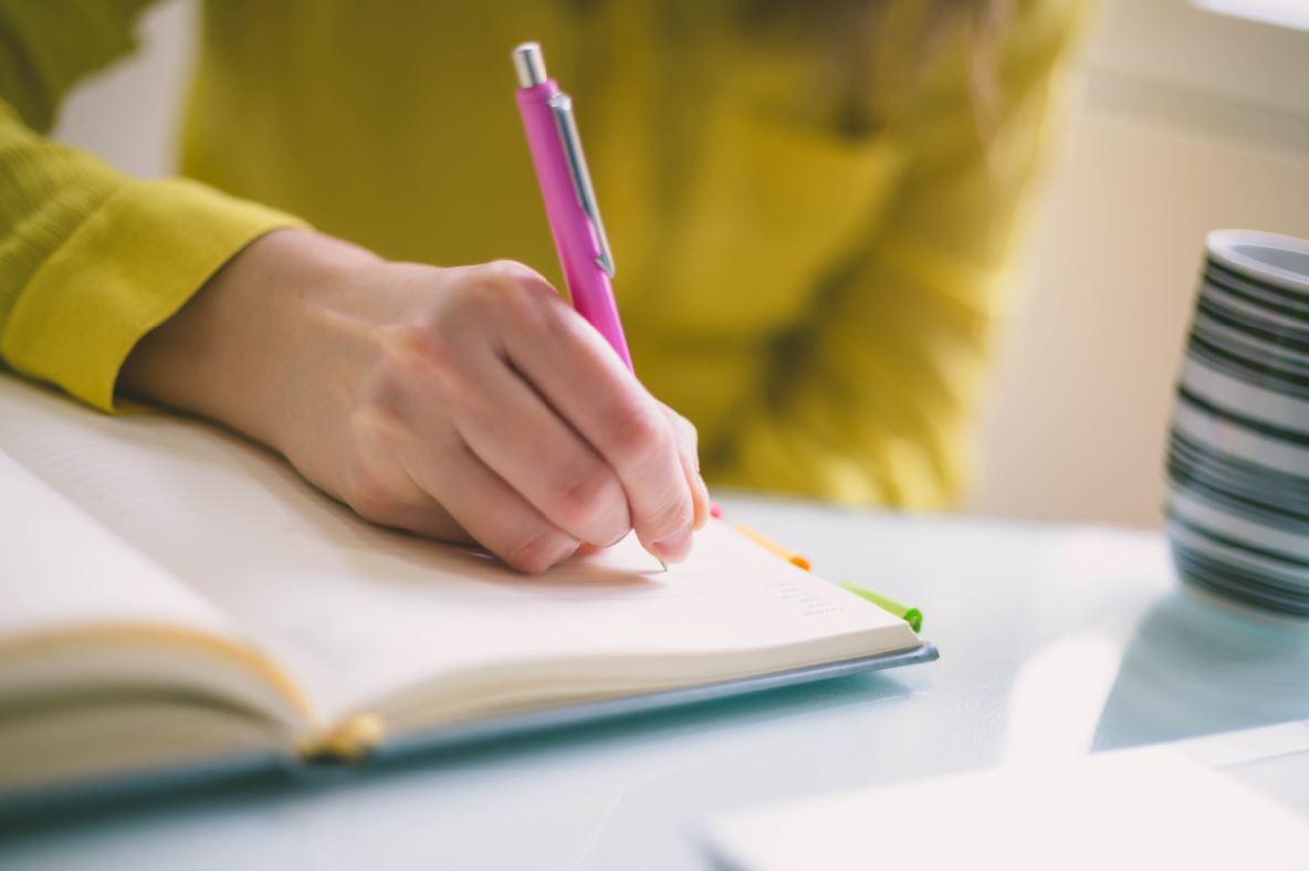 Journalling Alyss Thomas benefits of journalling