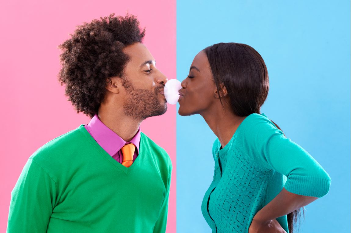 couple kissing bubblegum first date ice breakers