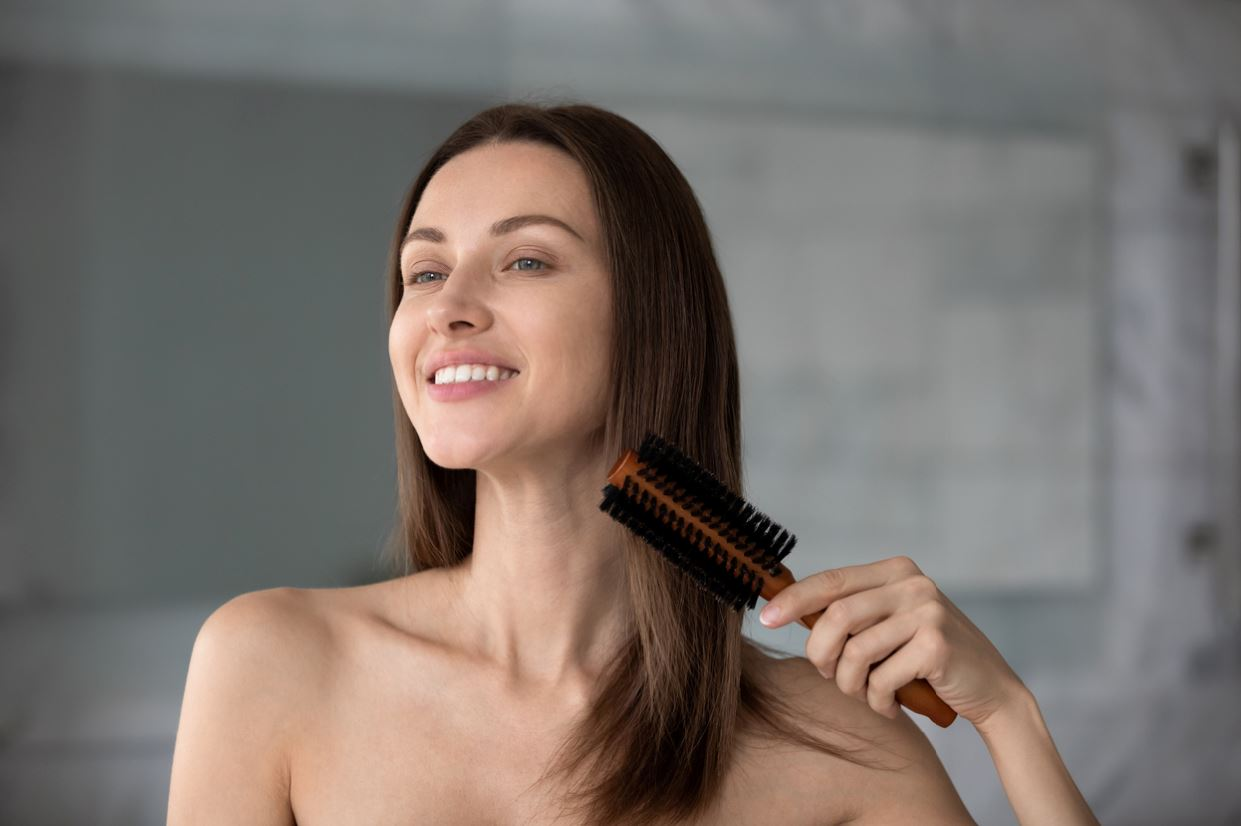 woman getting ready for a first date