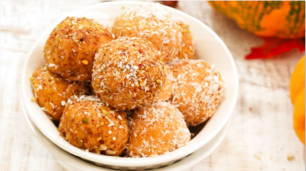 pumpkin spice protein balls recipe for halloween
