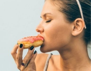 snacking bad habit FEATURED
